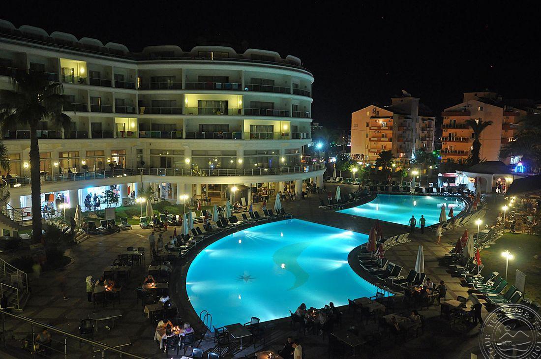 PINETA PARK DELUXE HOTEL 4+ *