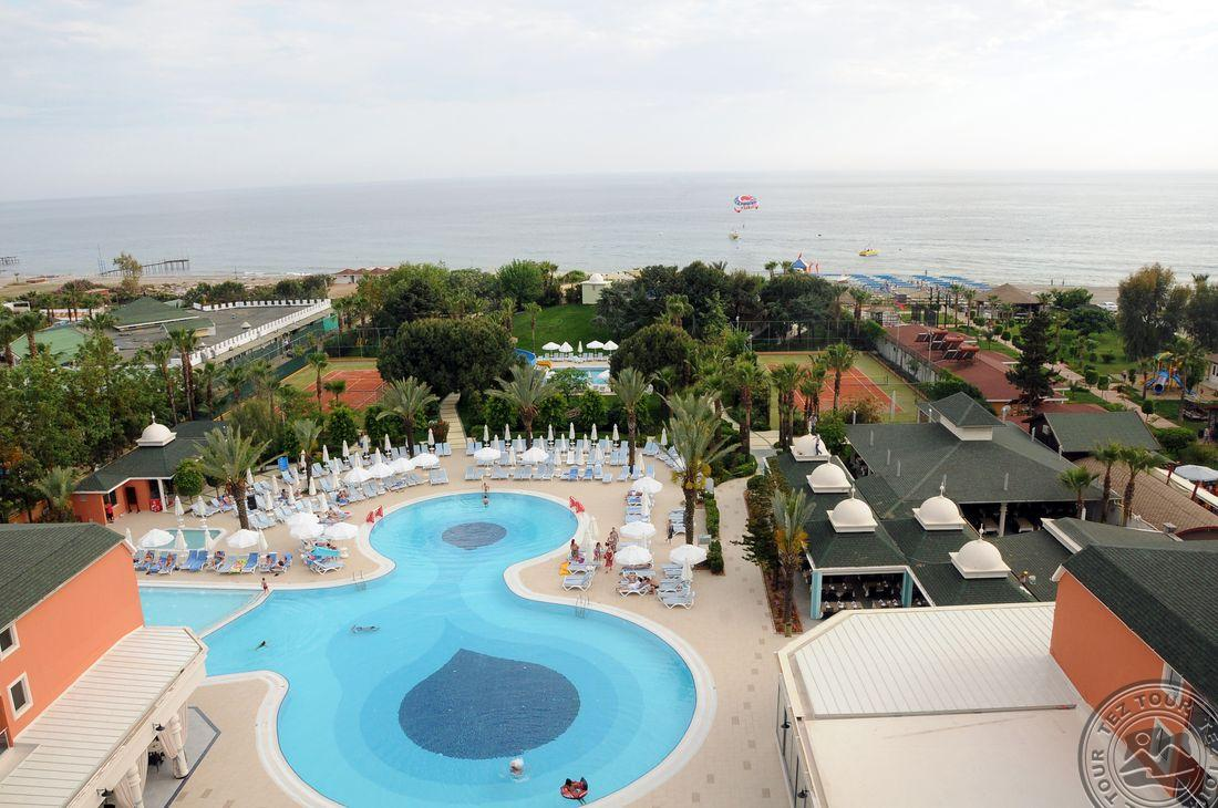 INSULA RESORT & SPA 5 *