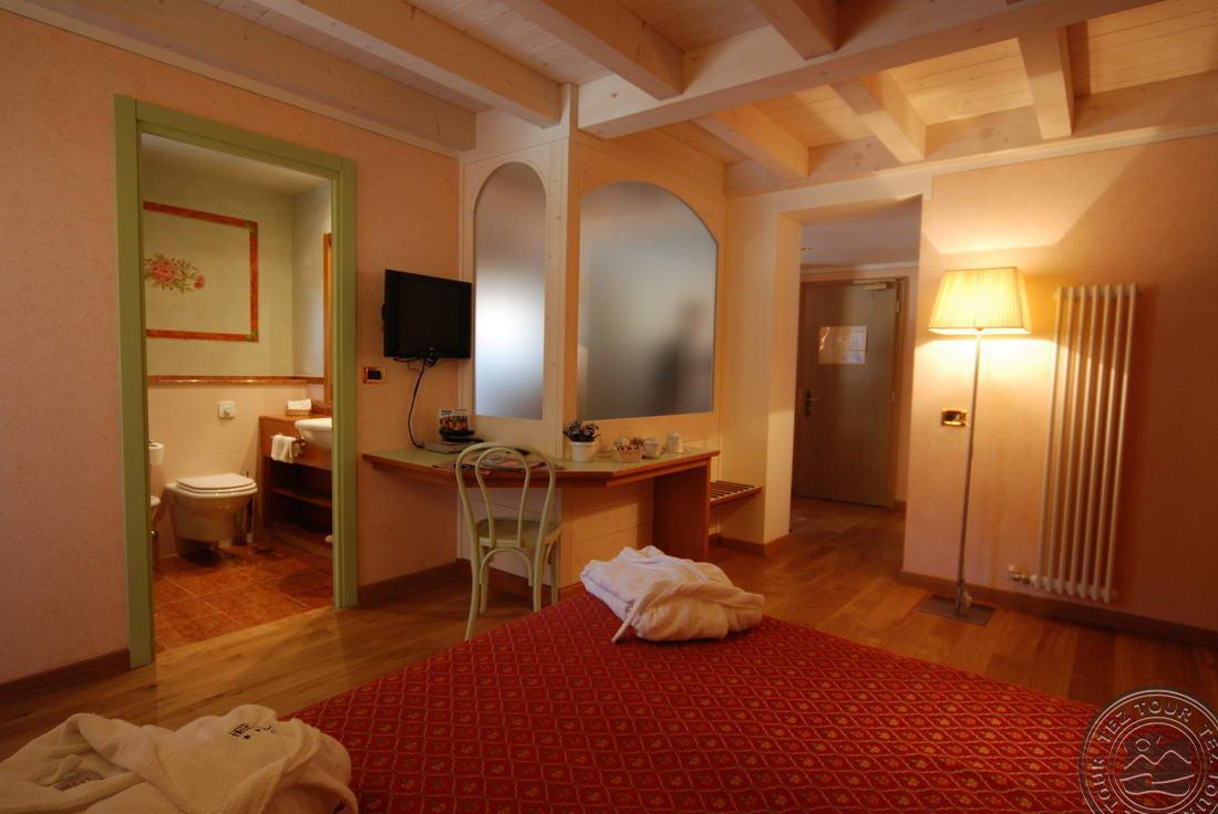 IDEAL HOTEL (MADONNA DI CAMPIGLIO) 4 * №17