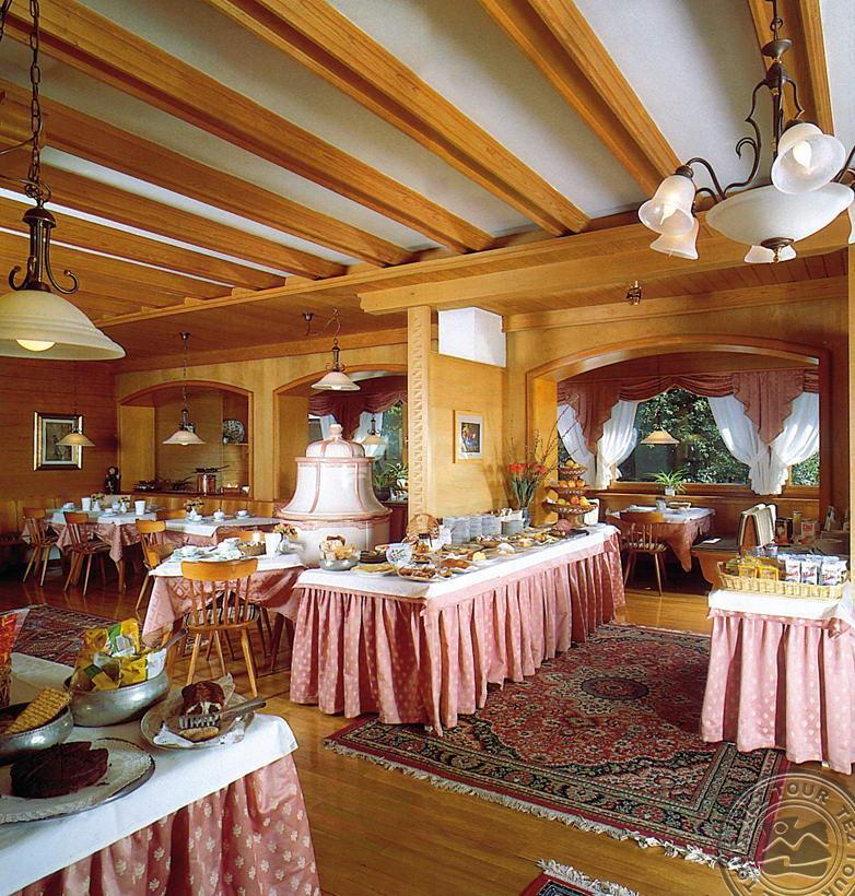 ST.HUBERTUS GARNI HOTEL (MADONNA DI CAMPIGLIO) 3 * №9