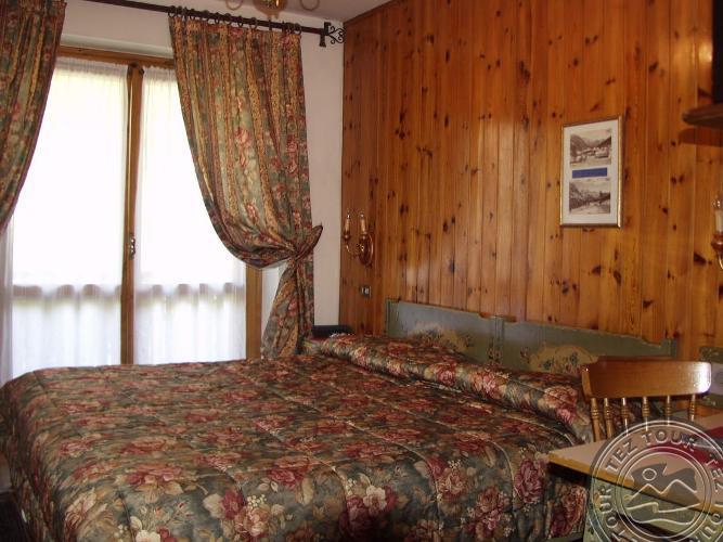 ST.HUBERTUS GARNI HOTEL (MADONNA DI CAMPIGLIO) 3 * №2