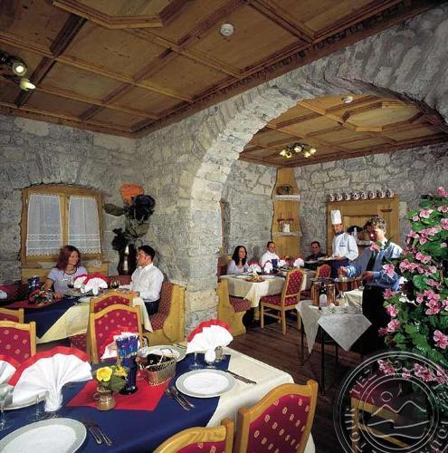 DOLOMITI SCHLOSS HOTEL & CLUB (CANAZEI) 4 * №8