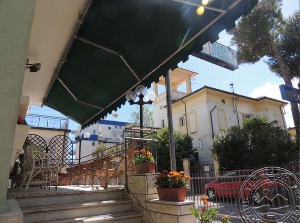 VILLA DERNA (RIMINI) - Адриатика - Римини, Италия