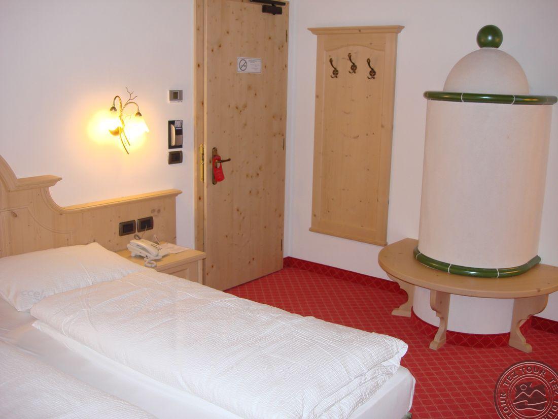 CHALET CAMPIGLIO IMPERIALE GARNI HOTEL (SANT ANTONIO DI MAVIGNOLA) 4 * №10