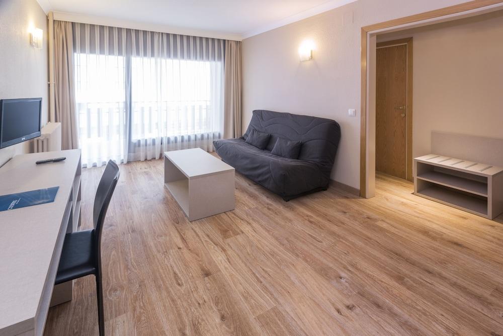 Hotel & Apartahotel SERHS Cosmos 3* №12